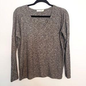 Rag & Bone V Neck Dark Grey Long Sleeve knit Top